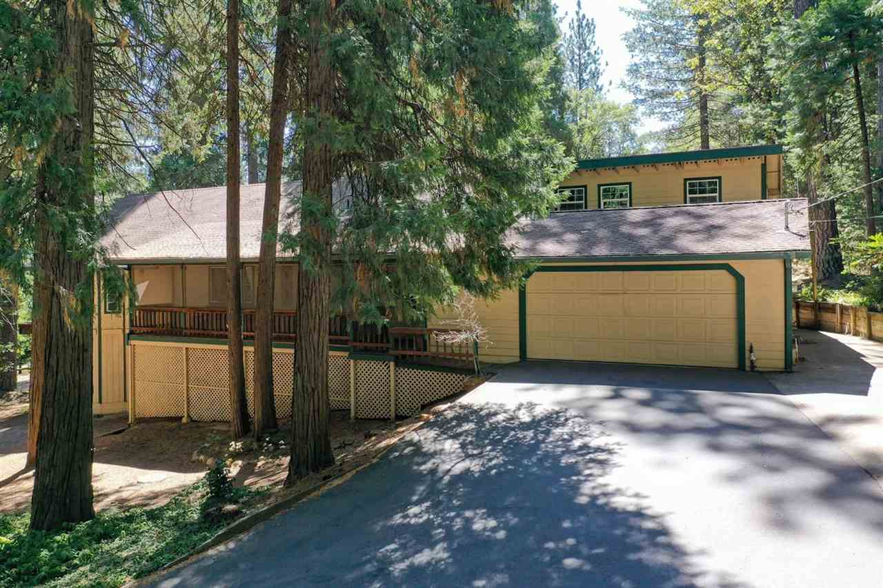Single Family Homes for Active at 15916 Orchard Springs Road Grass Valley, California 95945 United States