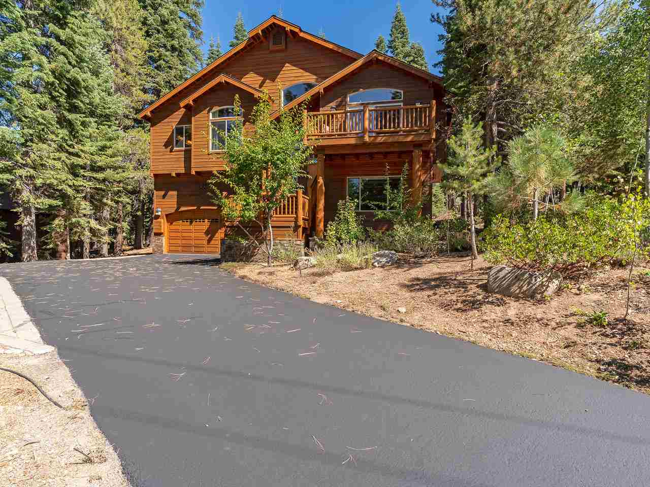 Single Family Homes for Active at 11343 Sitzmark Way Truckee, California 96161 United States