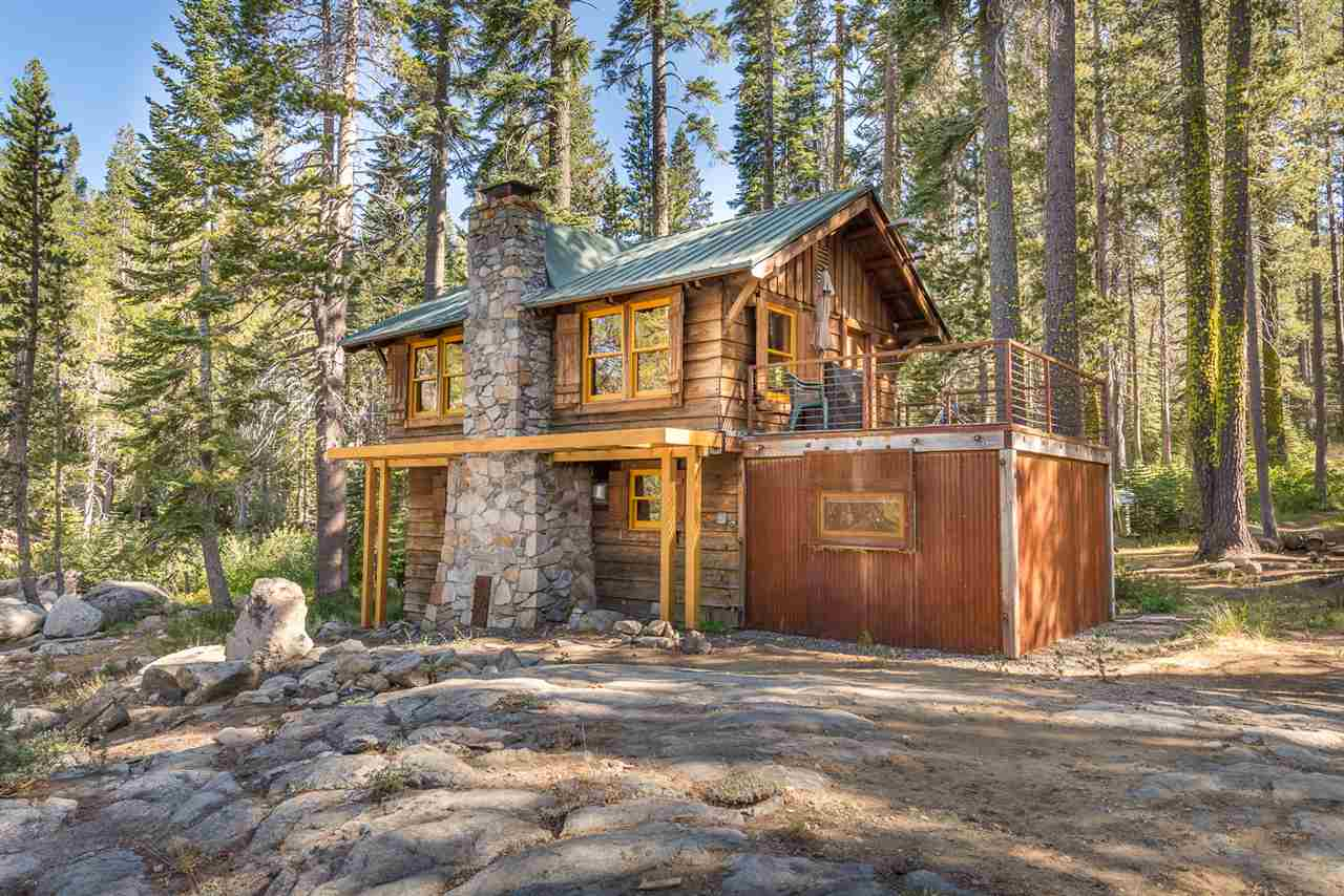 Single Family Homes for Active at 10078 Easy Slope Road Truckee, California 95728 United States