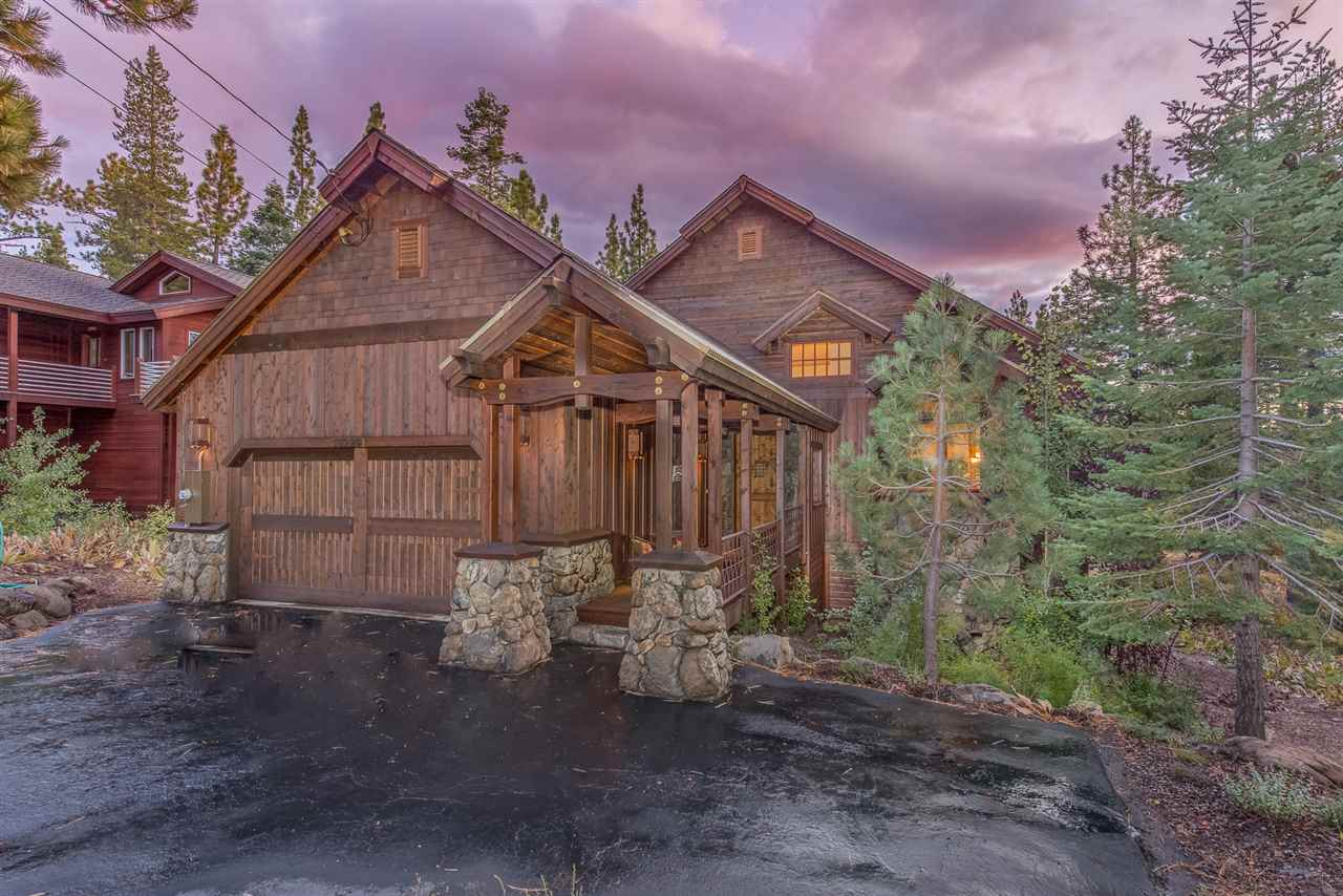 Single Family Homes por un Venta en 13229 Roundhill Drive Truckee, California 96161 Estados Unidos