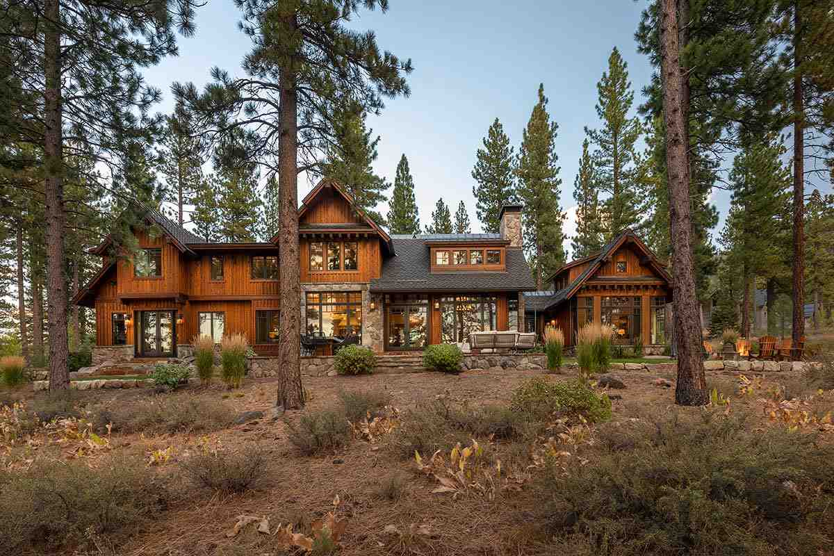 Single Family Homes por un Venta en 9654 Dunsmuir Way Truckee, California 96161 Estados Unidos