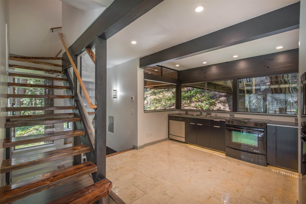 Additional photo for property listing at 14899 Pioneer Drive Truckee, California 96161 United States