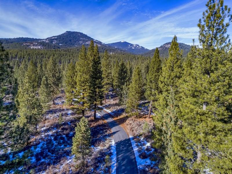 Terreno por un Venta en Parcel 3B Highway 70 Lake Almanor, California 96122 Estados Unidos