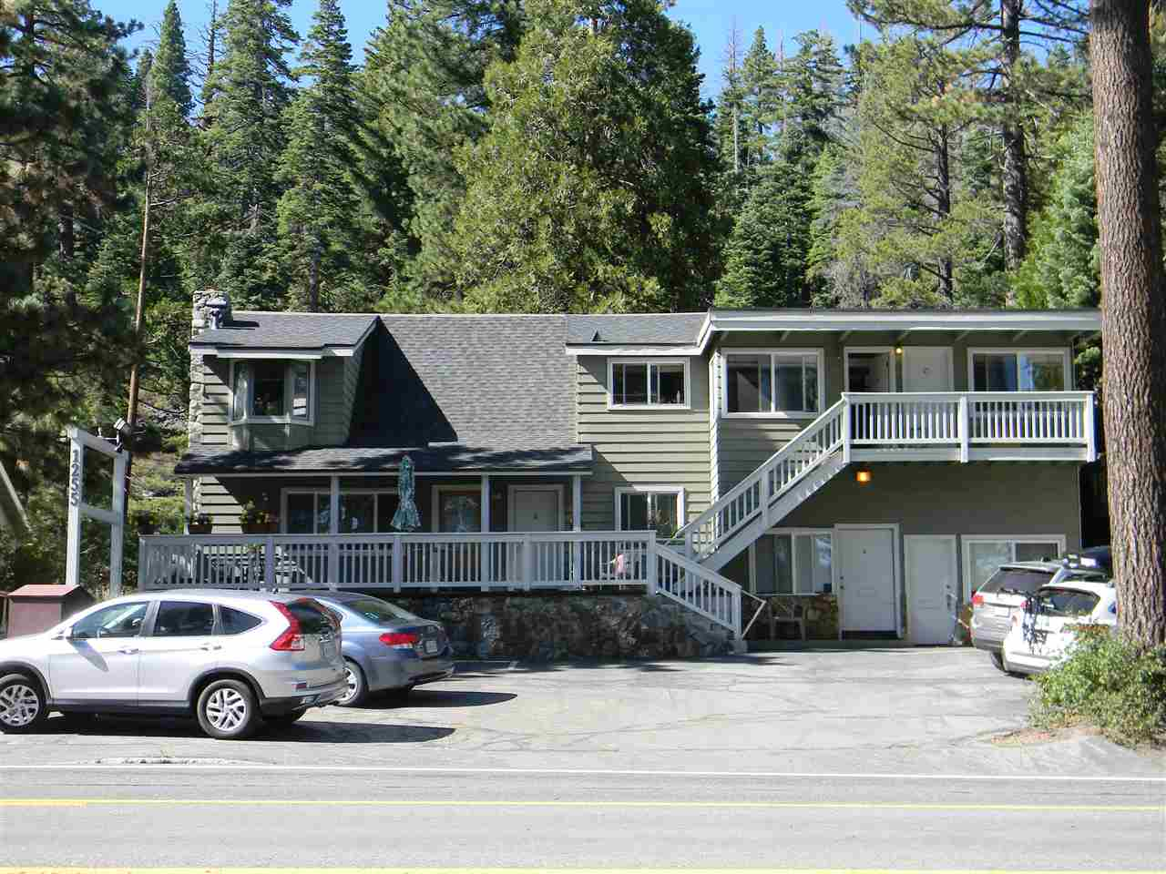Multi-Family Homes por un Venta en 1255 North Lake Boulevard South Lake Tahoe, California 96145 Estados Unidos