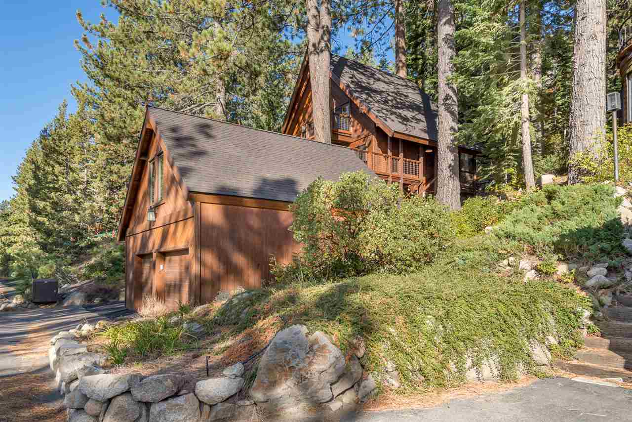 Additional photo for property listing at 14410 Donner Pass Road Truckee, California 96161 Estados Unidos