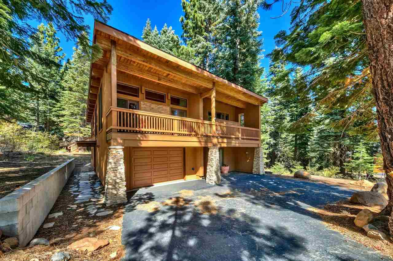 Single Family Homes for Active at 13824 Copenhagen Drive Truckee, California 96161 United States