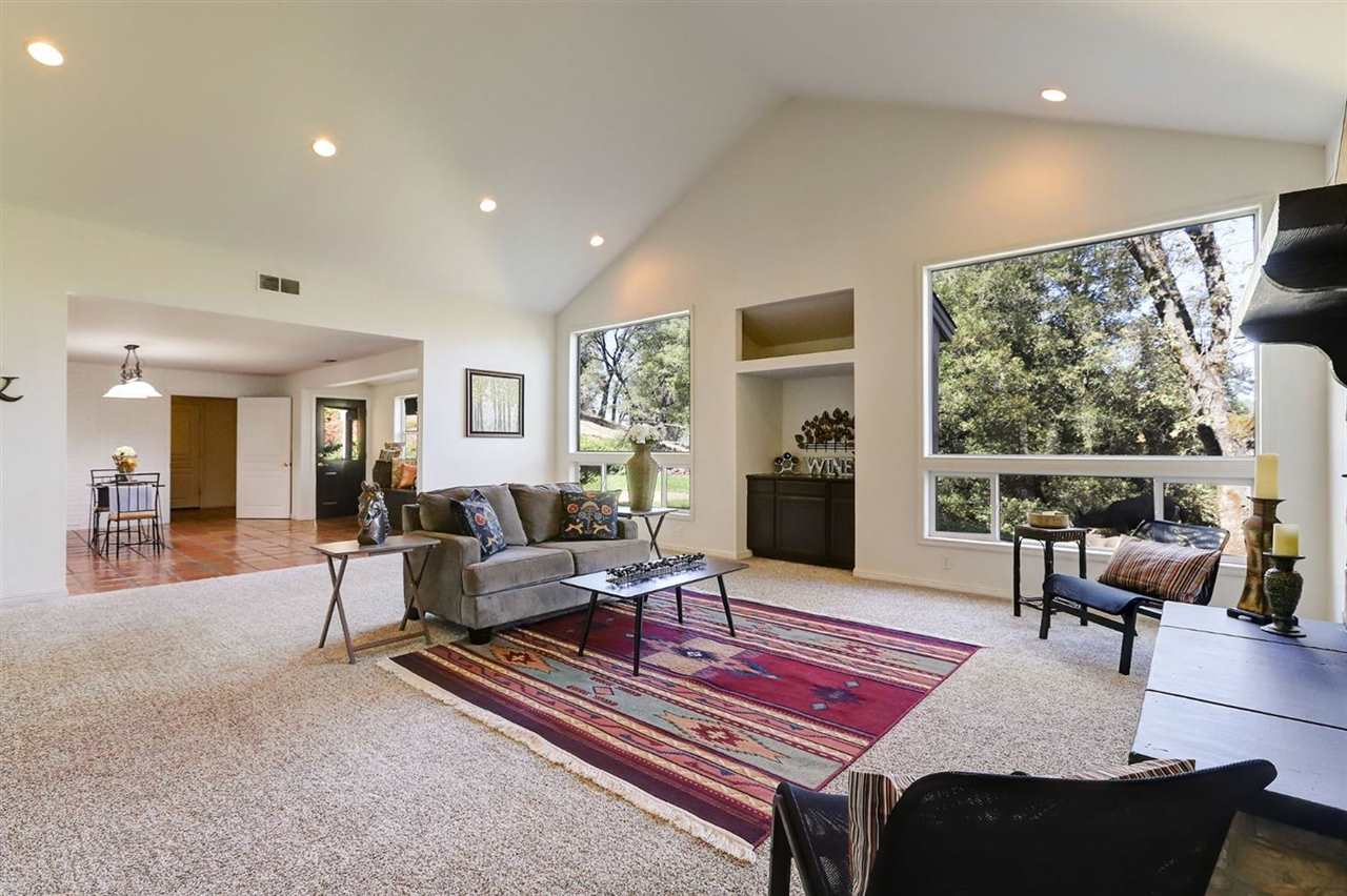 Additional photo for property listing at 20428 Buck Ridge Road Grass Valley, California 95949 Estados Unidos