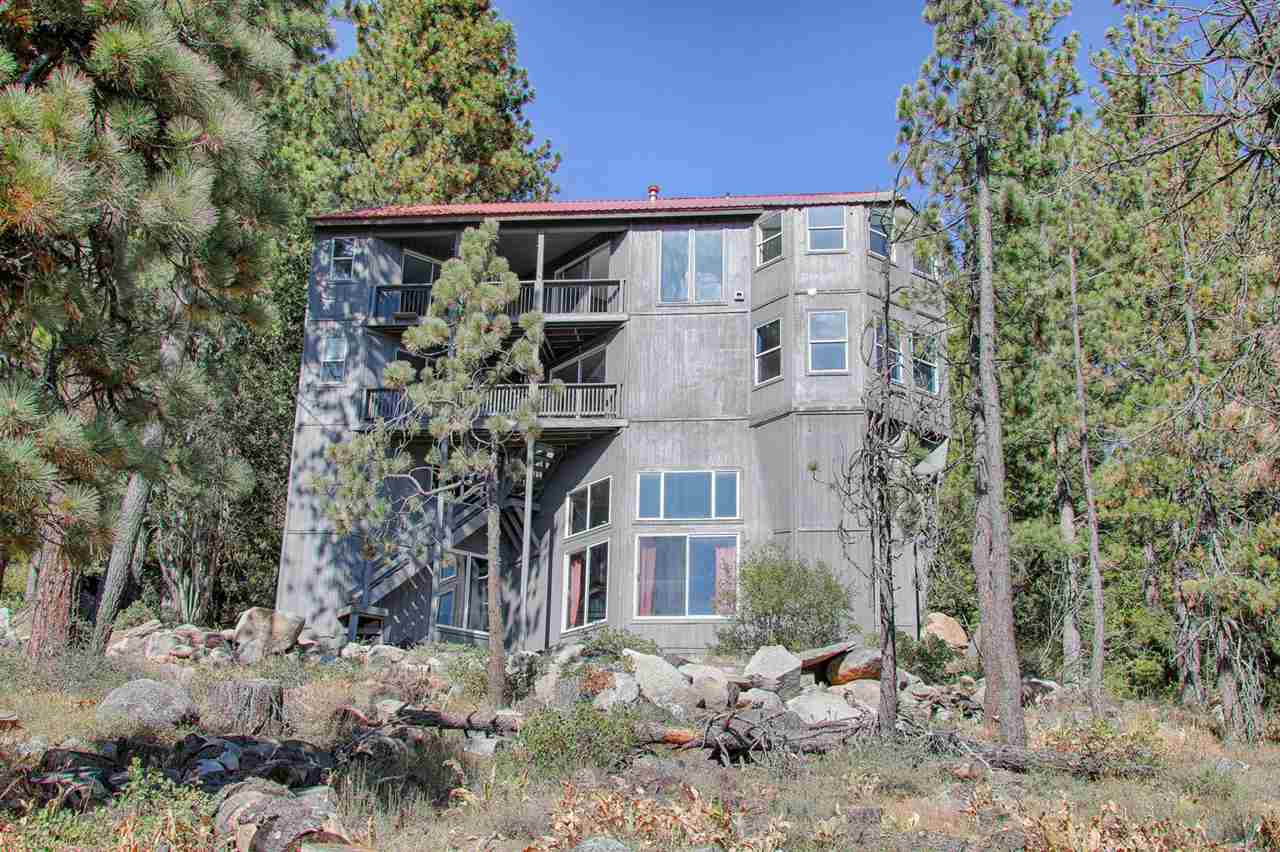 Single Family Homes for Active at 15425 Cedar Point Drive Truckee, California 96161 United States