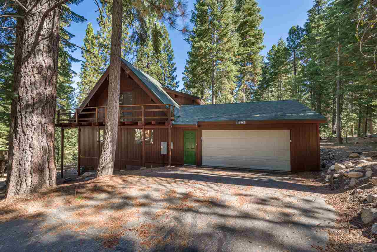 Single Family Homes for Active at 1607 Deer Path Truckee, California 96161 United States