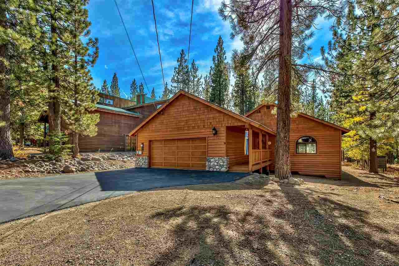 Single Family Homes por un Venta en 13299 Roundhill Drive Truckee, California 96161 Estados Unidos