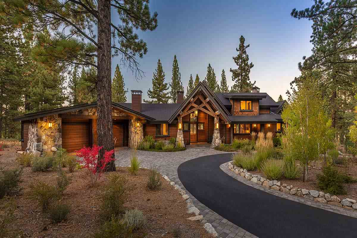 Single Family Homes por un Venta en 307 Bob Haslem Truckee, California 96161 Estados Unidos