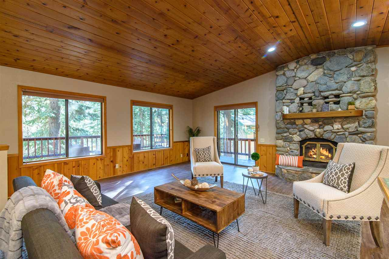 Single Family Homes por un Venta en 4520 Piney Wood Road Tahoe City, California 96140 Estados Unidos