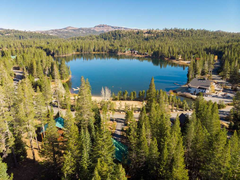 Additional photo for property listing at 1007 Serene Road Truckee, California 95728 Estados Unidos