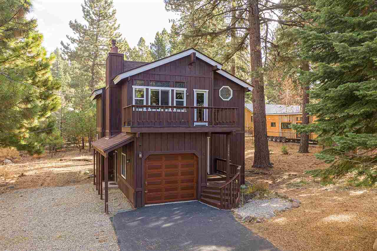 Single Family Homes por un Venta en 10519 Saxon Way Truckee, California 96161 Estados Unidos