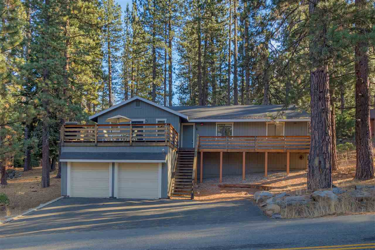 Single Family Homes for Active at 10517 Martis Valley Road Truckee, California 96161 United States