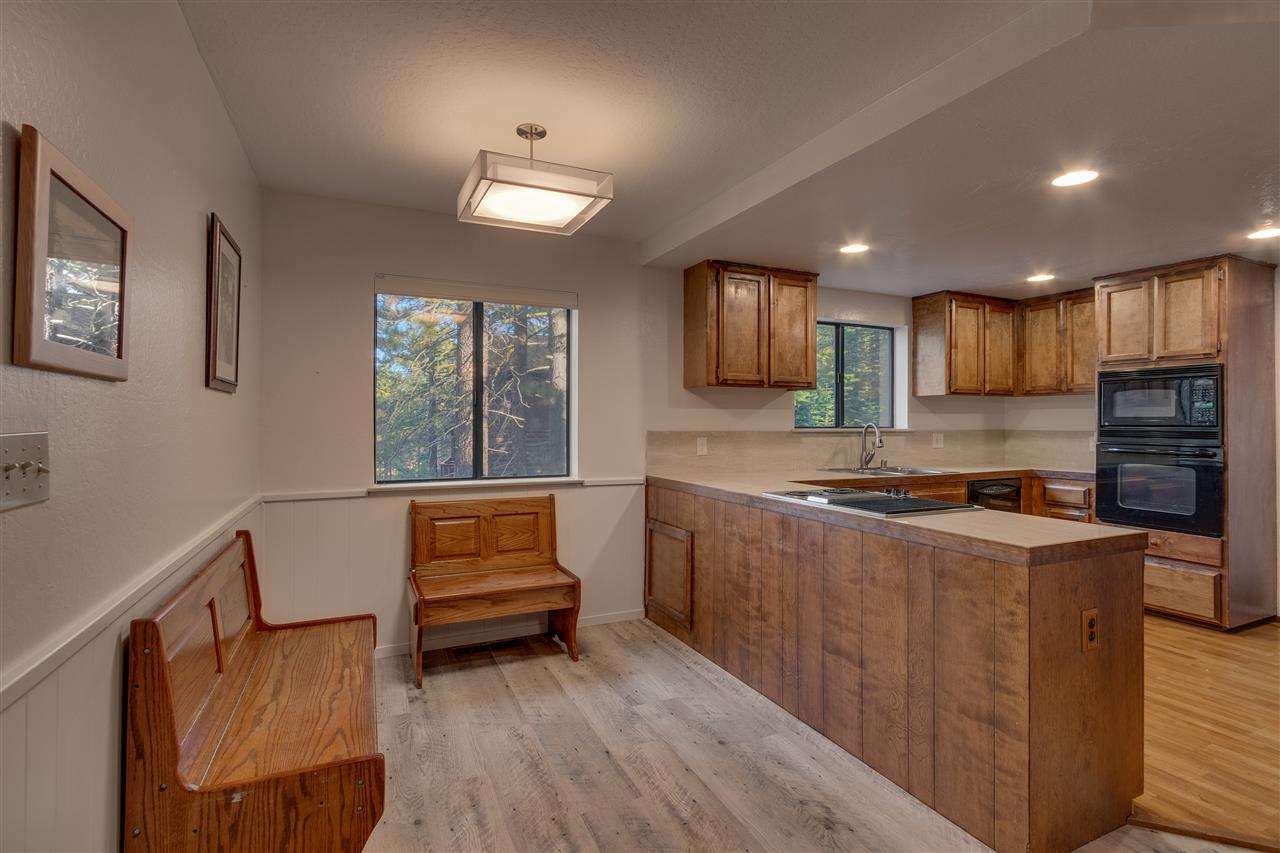 Additional photo for property listing at 10517 Martis Valley Road Truckee, California 96161 United States
