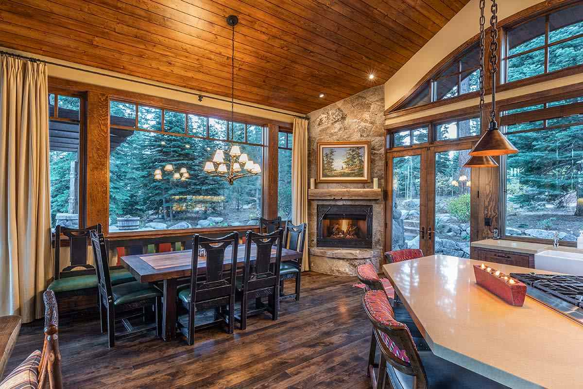 Additional photo for property listing at 8805 Longwood Court Truckee, California 96161 Estados Unidos