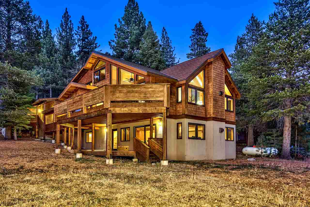 Single Family Homes for Active at 161 Tiger Tail Road Olympic Valley, California 96146 United States