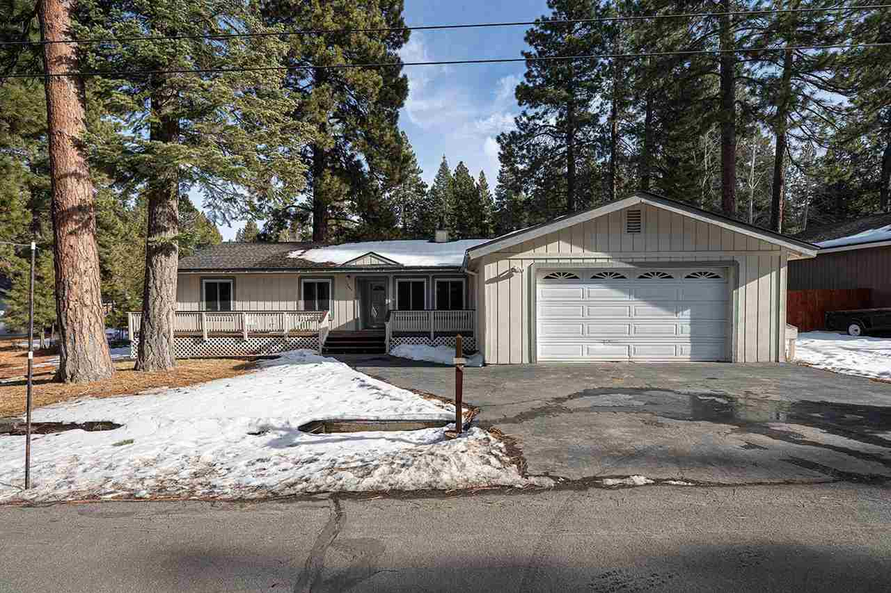 Single Family Homes for Active at 14699 Royal Way Truckee, California 96161 United States