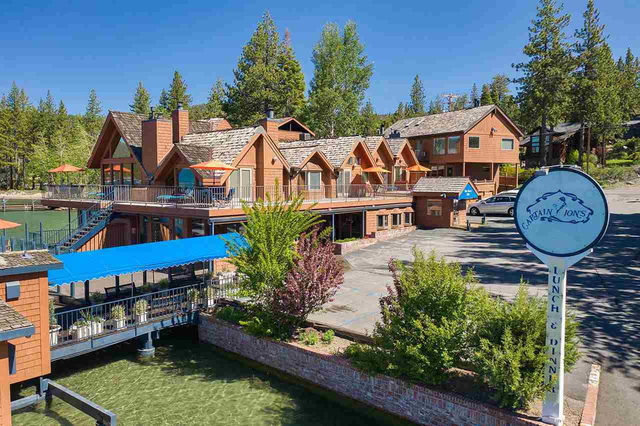 Single Family Homes por un Venta en 7220 North Lake Boulevard South Lake Tahoe, California 96148 Estados Unidos