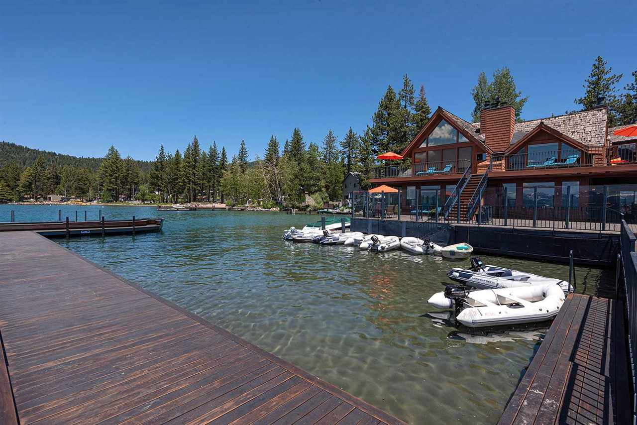 Additional photo for property listing at 7220 North Lake Boulevard South Lake Tahoe, California 96148 Estados Unidos