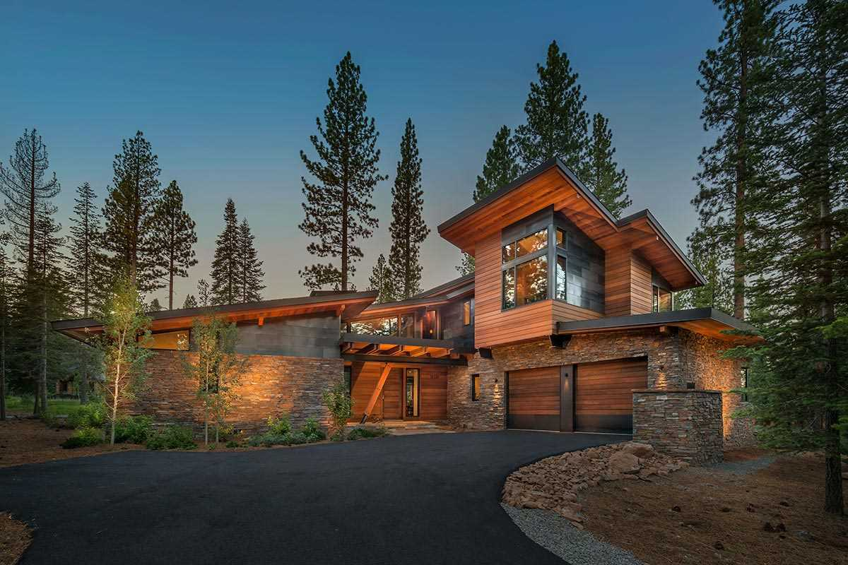 Single Family Homes por un Venta en 10255 Olana Drive Truckee, California 96161 Estados Unidos
