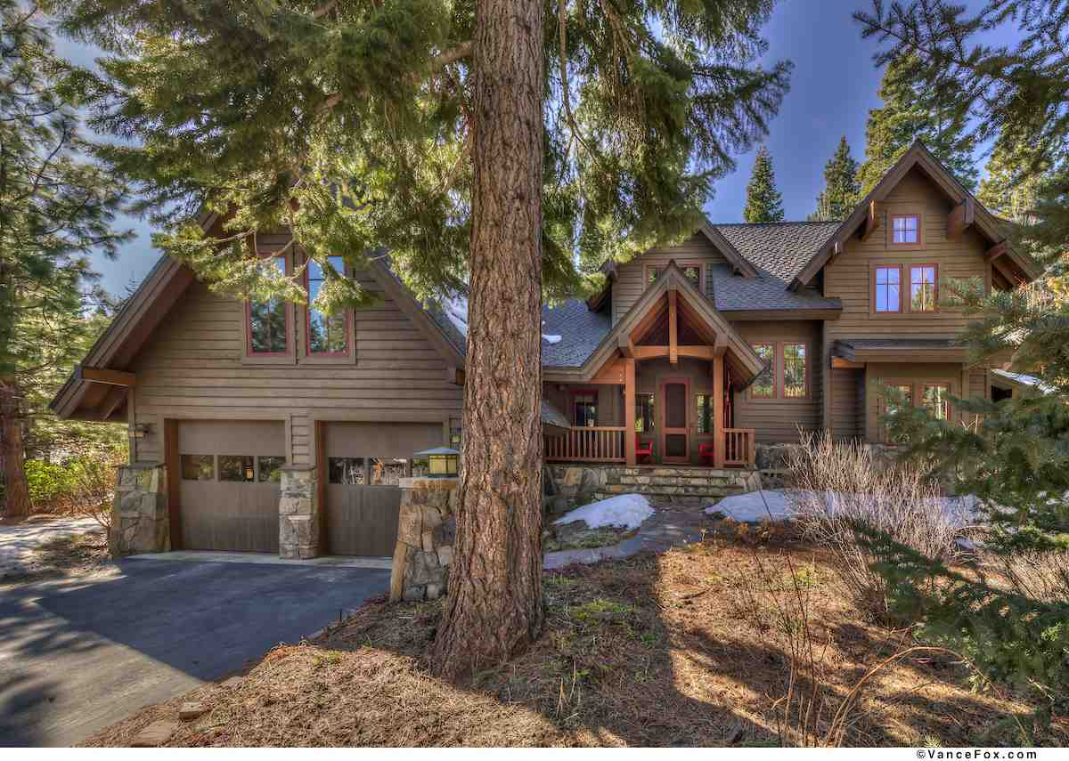Single Family Homes for Active at 2102 Eagle Feather Truckee, California 96161 United States