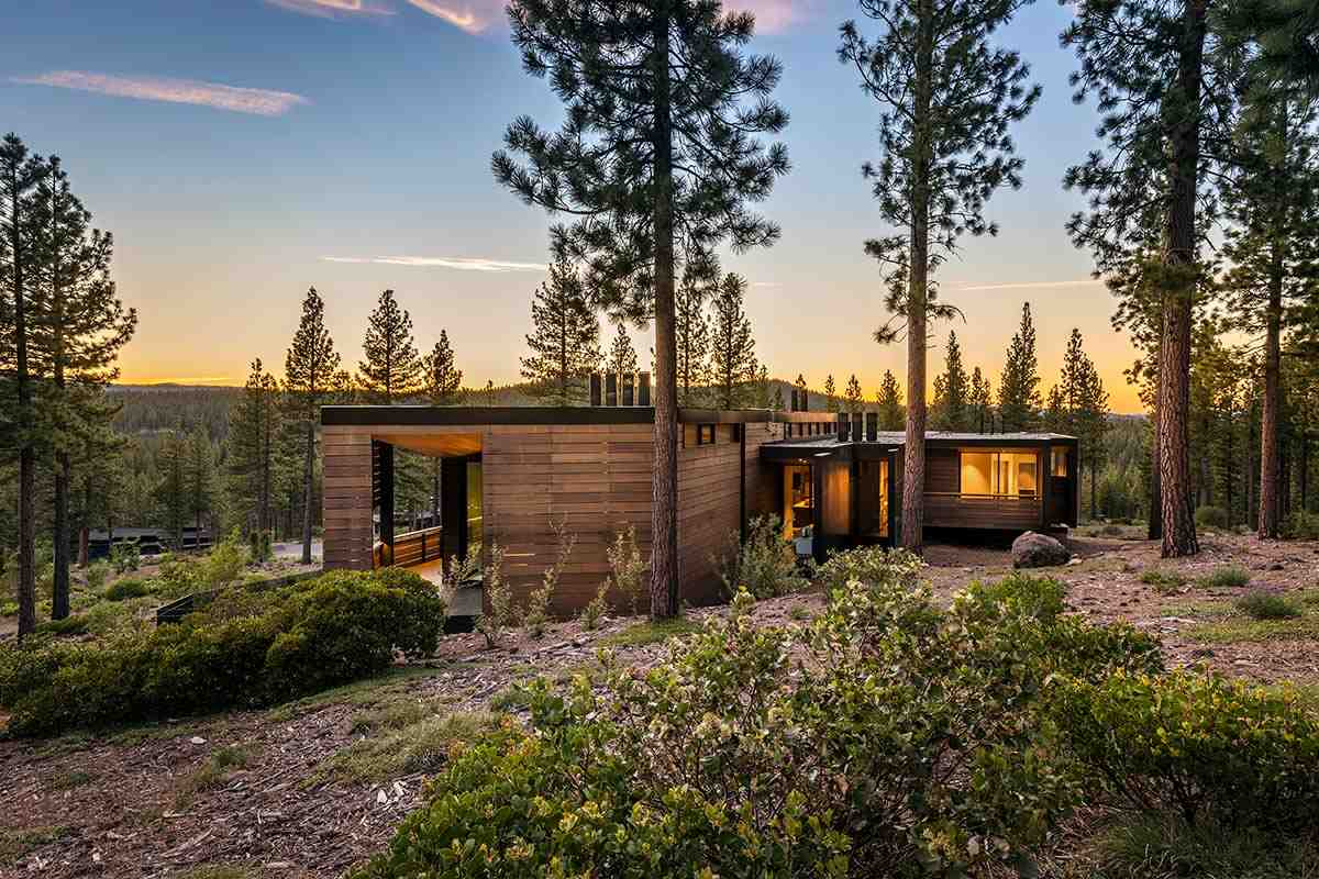 Additional photo for property listing at 8100 Fallen Leaf Way Truckee, California 96161 Estados Unidos