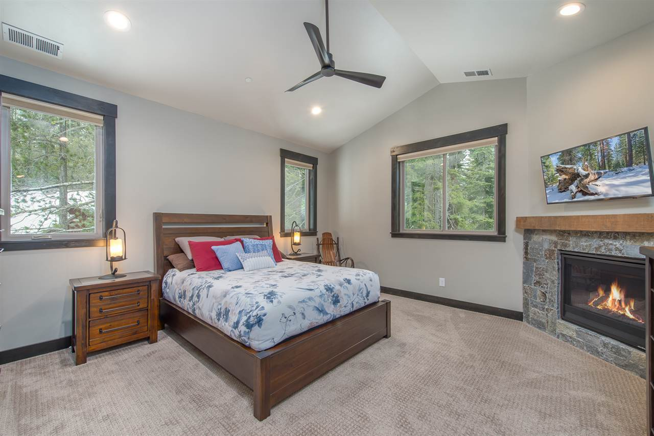Additional photo for property listing at 14560 Christie Lane Truckee, California 96161 United States