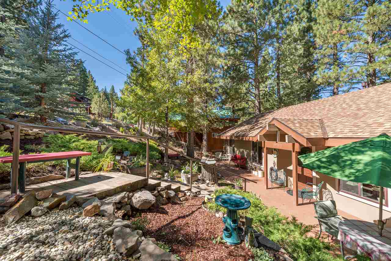 Single Family Homes for Active at 15674 Donnington Lane Truckee, California 96161 United States
