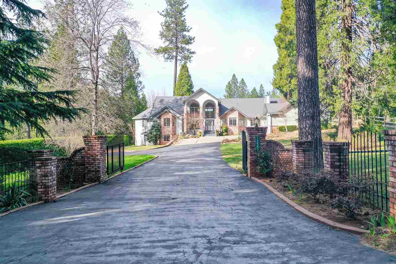 Single Family Homes for Active at 12552 Burma Road Grass Valley, California 95945 United States