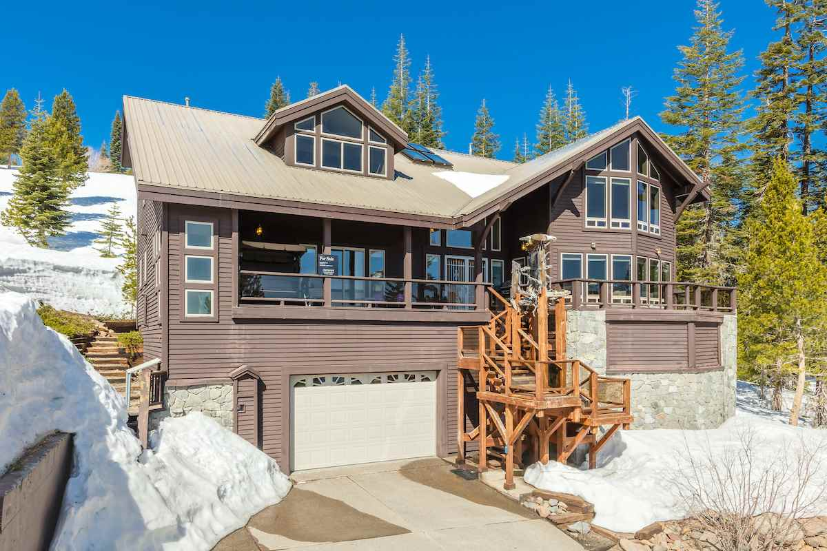 Single Family Homes por un Venta en 15660 Skislope Way Truckee, California 96161 Estados Unidos