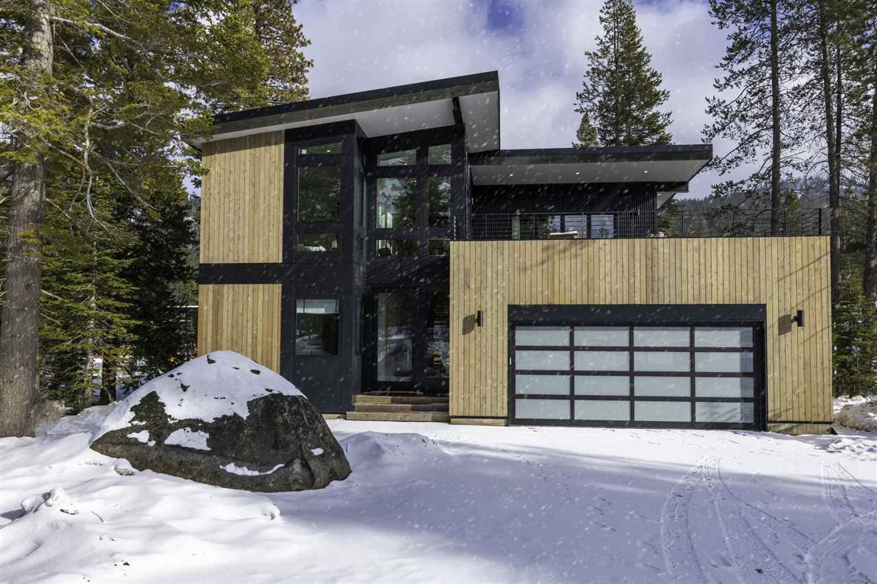 Single Family Homes for Active at 245 Palisades Circle Olympic Valley, California 96146 United States