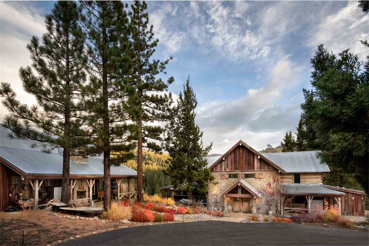 Single Family Homes por un Venta en 19214 La Mirada Road Truckee, California 96161 Estados Unidos
