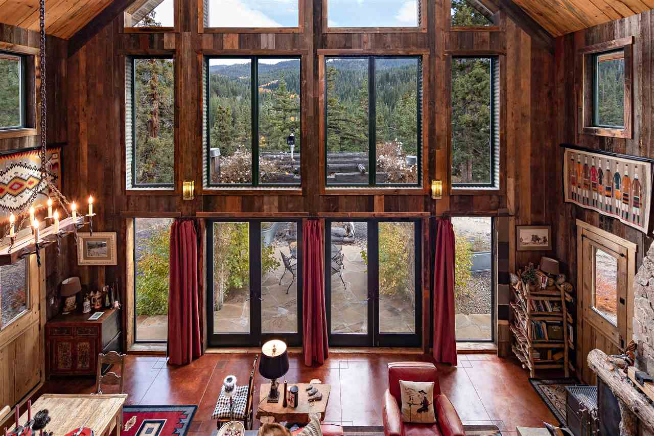 Additional photo for property listing at 19214 La Mirada Road Truckee, California 96161 United States