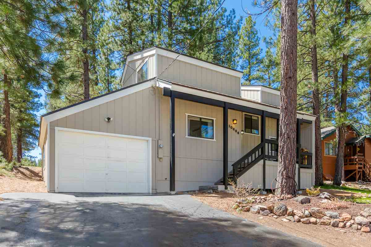 Single Family Homes por un Venta en 10664 Martis Drive Truckee, California 96161 Estados Unidos