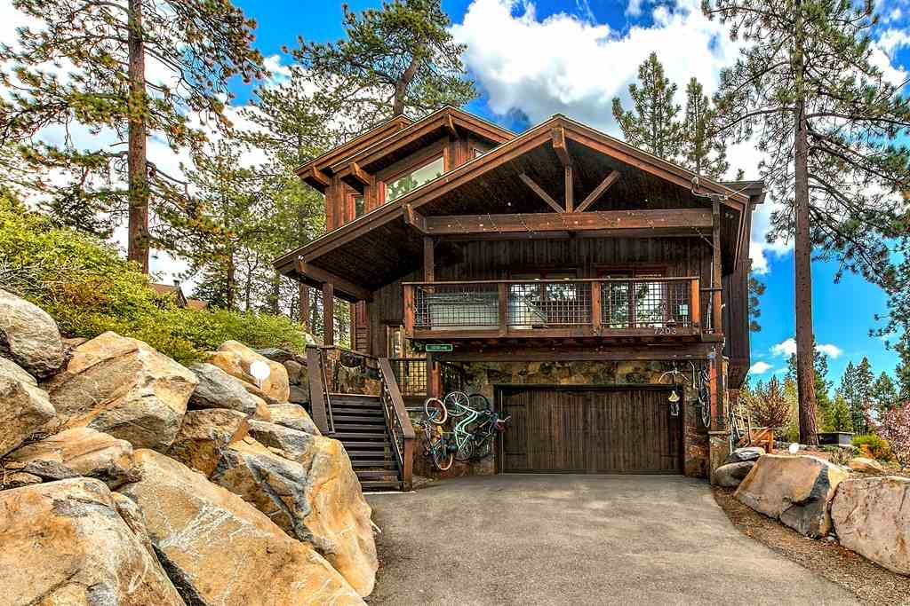 Single Family Homes for Active at 7203 North Lake Boulevard South Lake Tahoe, California 96148 United States