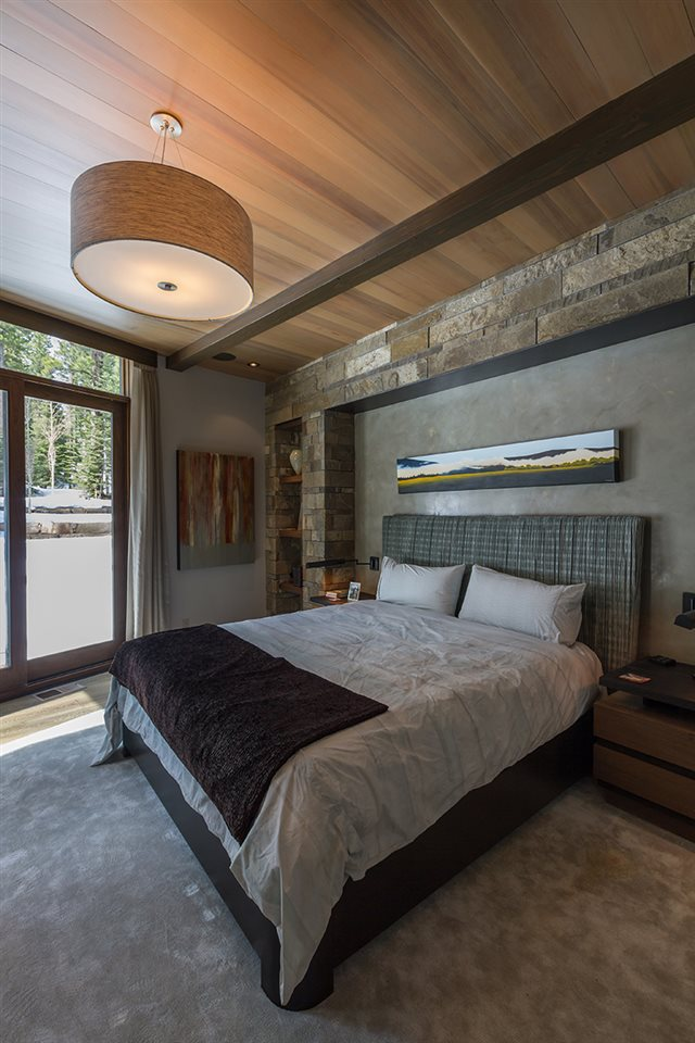 Additional photo for property listing at 8209 Valhalla Drive Truckee, California 96161 United States