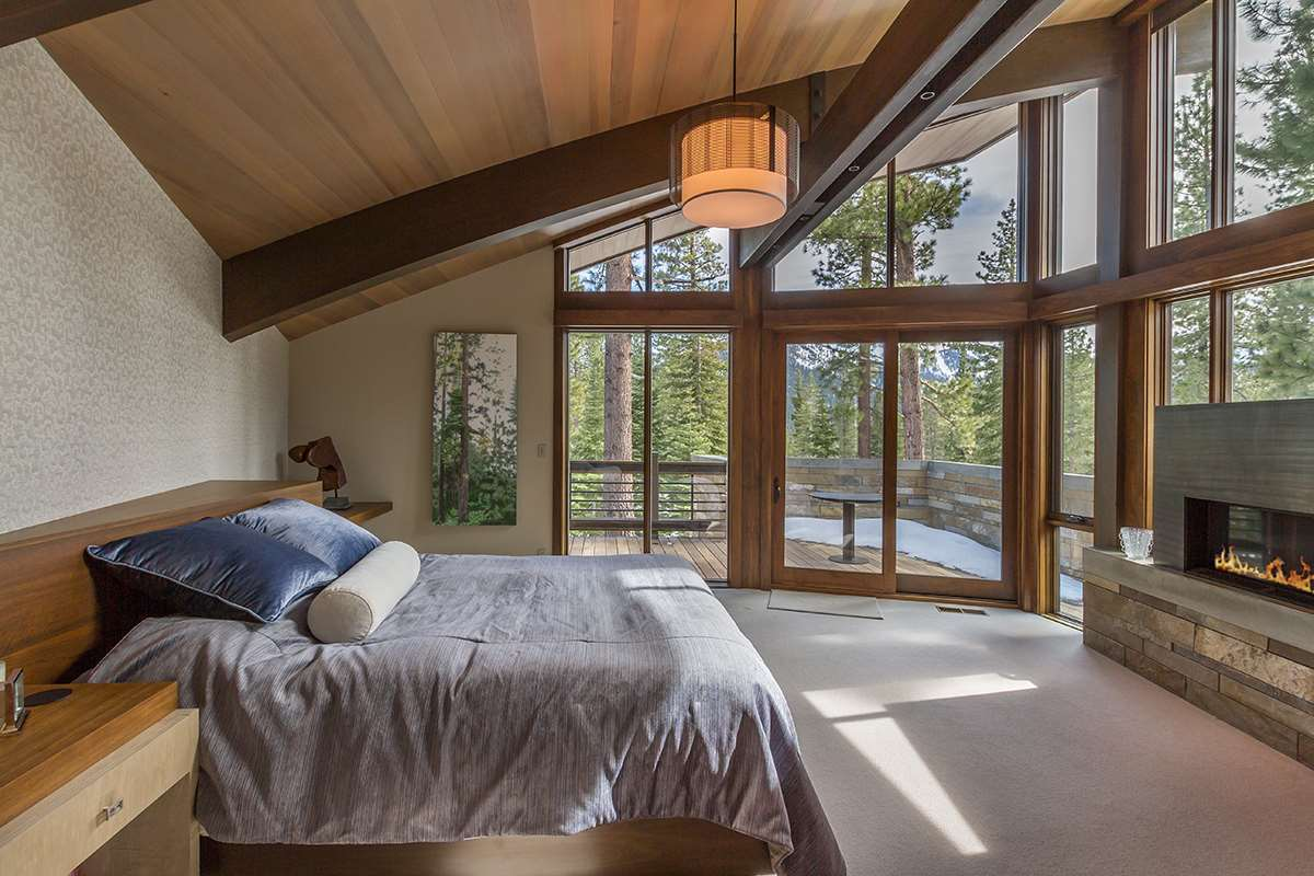Additional photo for property listing at 8209 Valhalla Drive Truckee, California 96161 Estados Unidos
