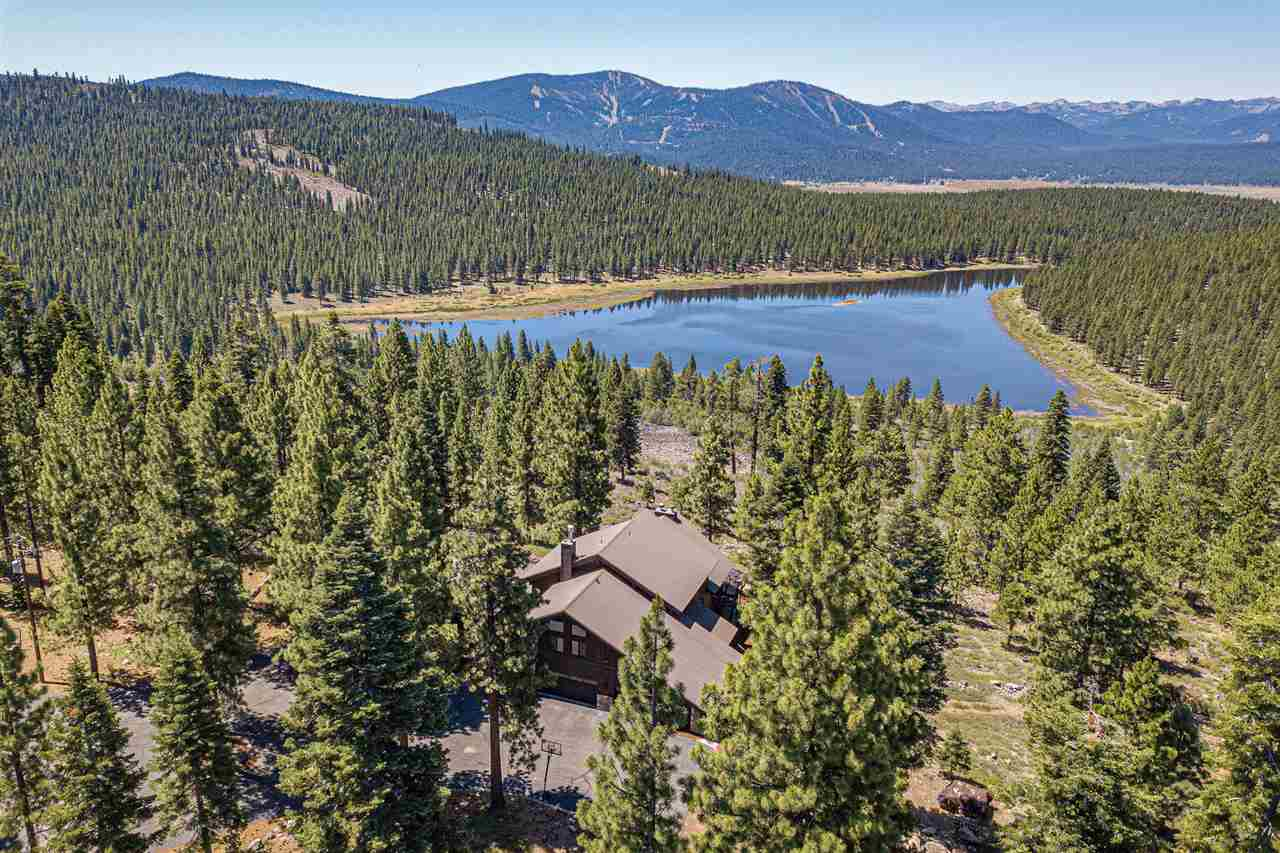 Single Family Homes for Active at 16713 Walden Drive Truckee, California 96161 United States