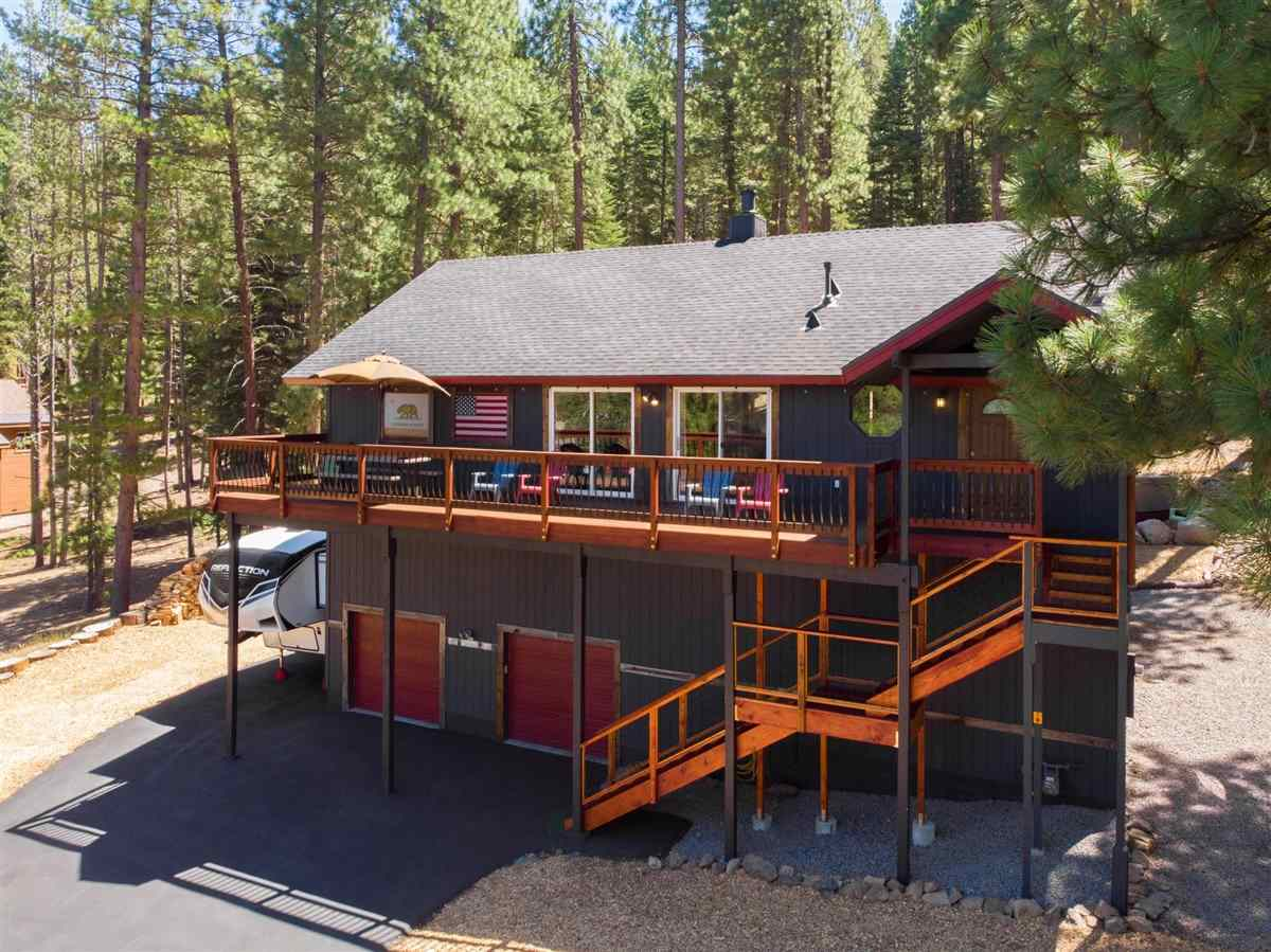 Single Family Homes for Active at 14821 Lighthill Place Truckee, California 96161 United States