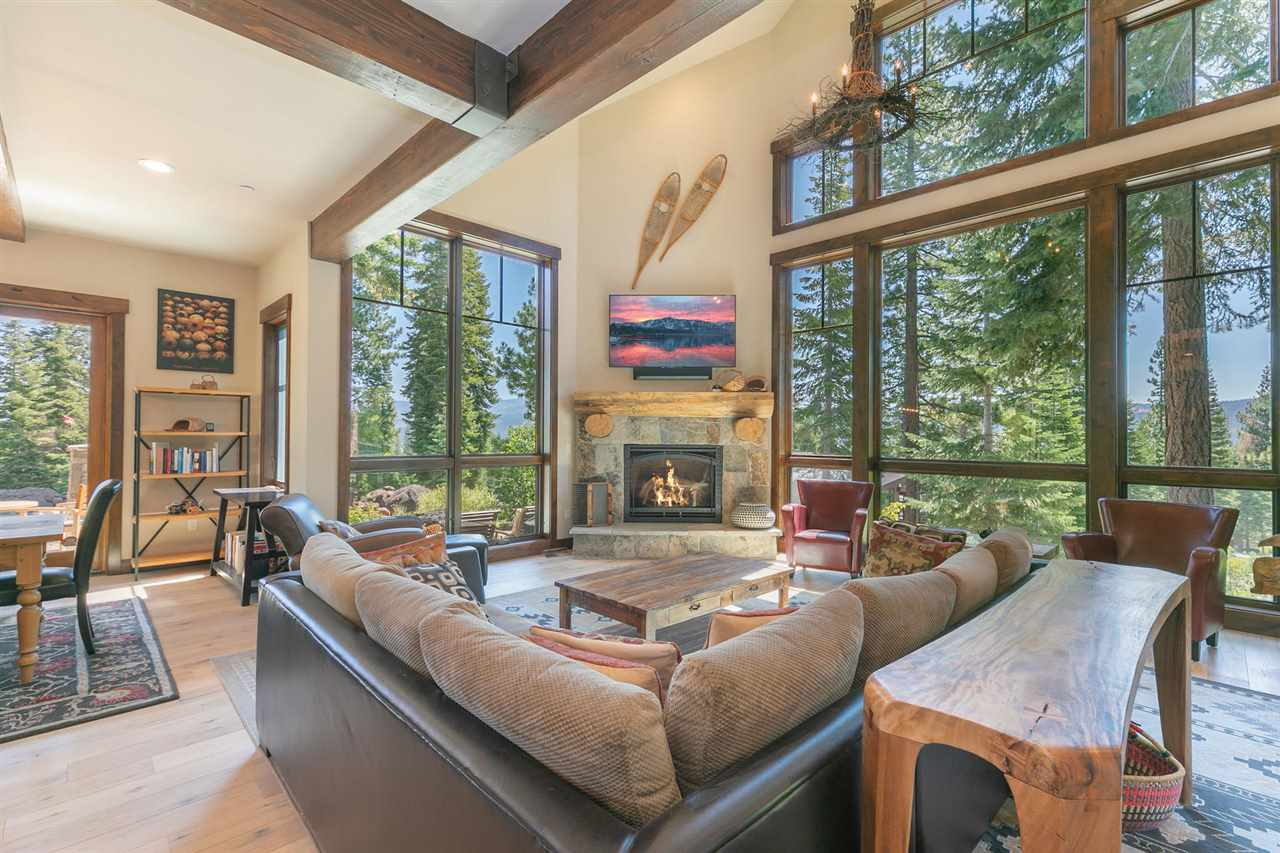 Single Family Homes for Active at 10660 Talus Court Truckee, California 96161 United States