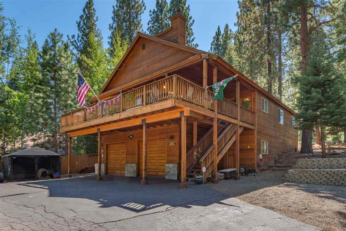 Single Family Homes for Active at 15141 Royal Way Truckee, California 96161 United States