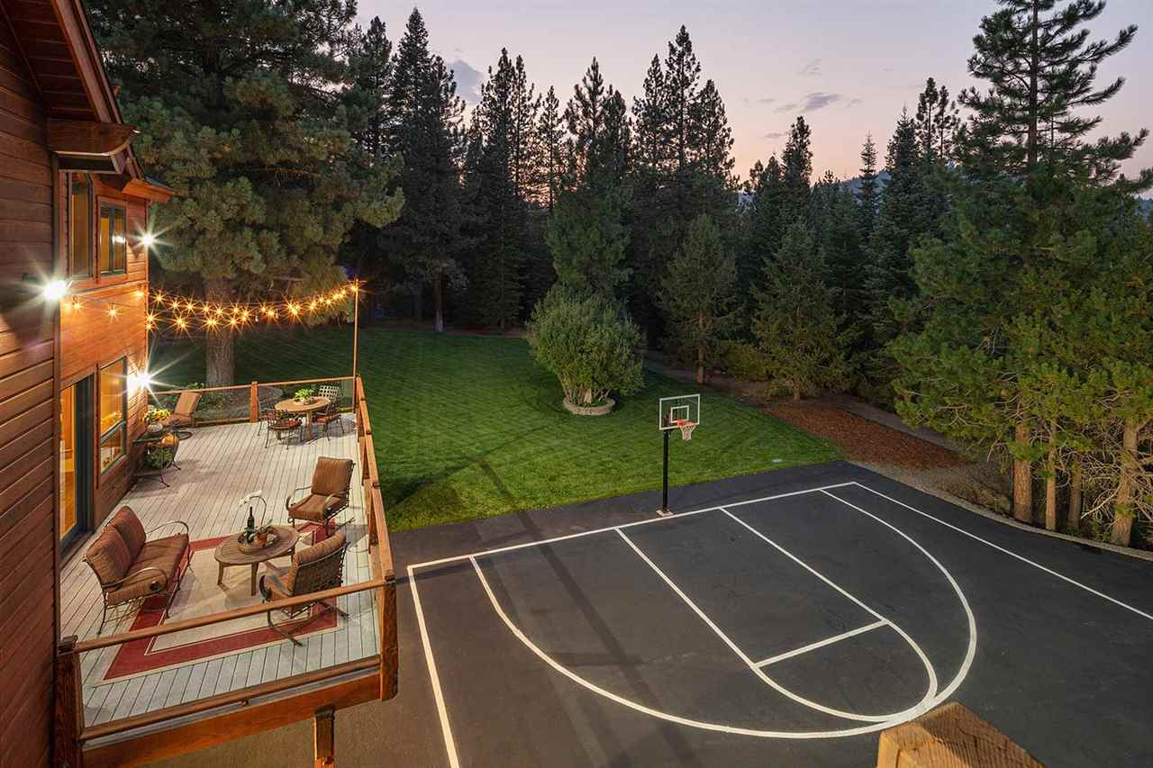 Additional photo for property listing at 12429 Stony Creek Court Truckee, California 96161 United States