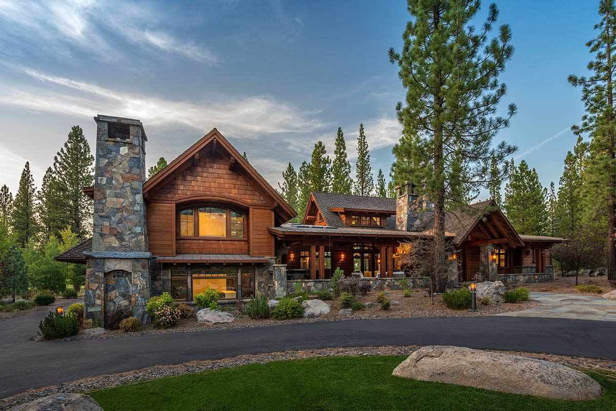 Single Family Homes por un Venta en 8619 Benvenuto Court Truckee, California 96161 Estados Unidos