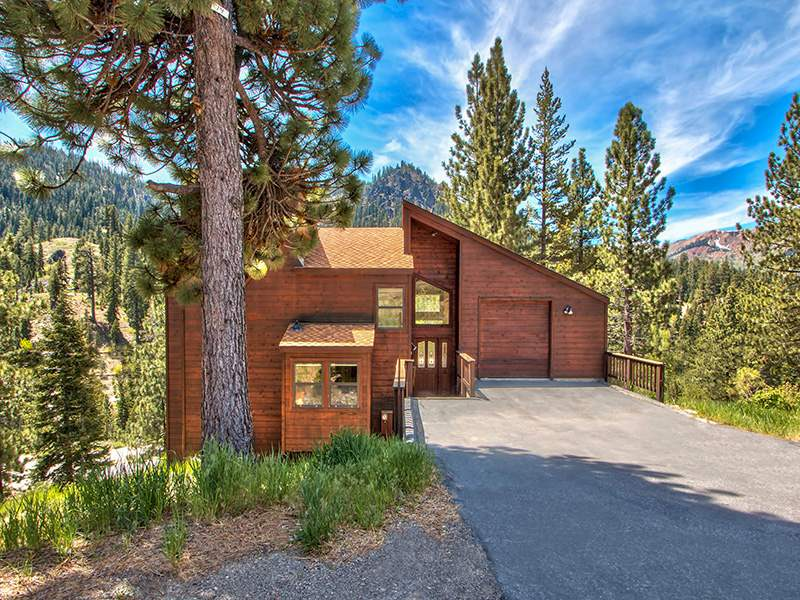 Single Family Homes for Active at 1414 Juniper Mountain Road Alpine Meadows, California 96146 United States