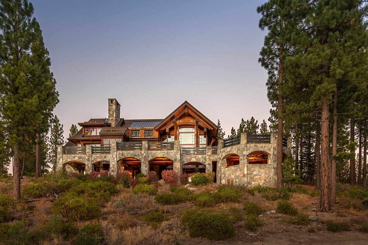 Single Family Homes for Active at 8207 Fallen Leaf Way Truckee, California 96161 United States