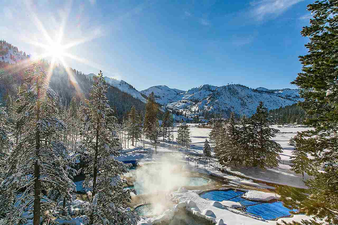This turn key studio is the perfect place to start and finish every day of world class skiing while enjoying the award winning amenities that the Resort at Squaw Creek (RSC) offers. The unit is also an amazing investment opportunity as it is currently the lowest priced unit and generated about $42,732 in gross rental income from 12/1/18 to 12/1/19. The unit features 2 queen sized beds, a desk, full bathroom, and a kitchenette. Visit https://www.destinationhotels.com/squawcreek for all RSC has to offer.