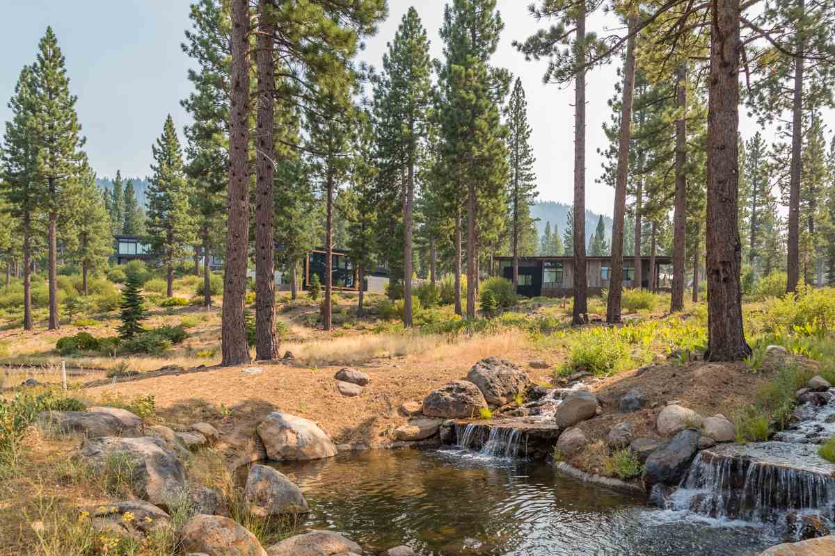 2412 Newhall Court, Truckee, CA 96161