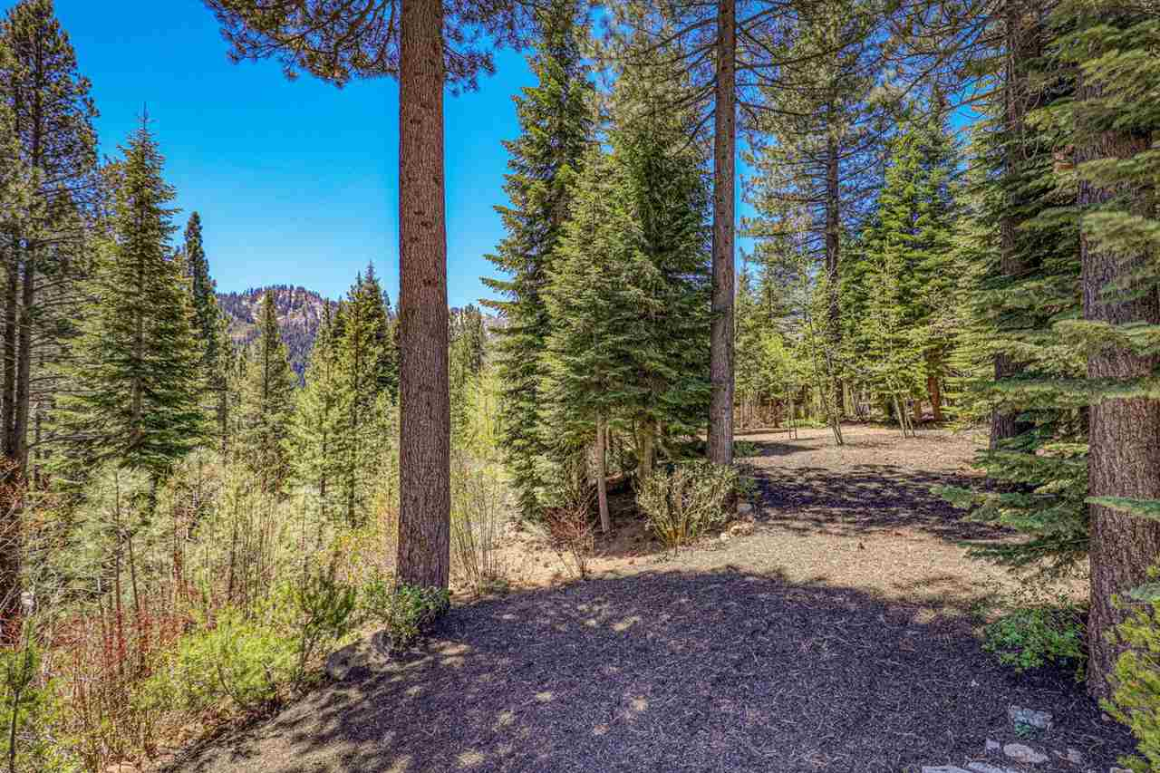 Privacy lot to be sold with 124 Hidden Lake Loop. Amazing opportunity to own your own compound in exclusive Hidden Lake.